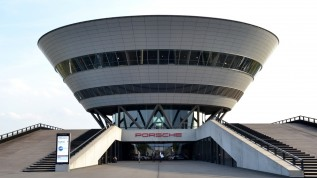 CGM Z1.PRO zeigt sich im Porschewerk Leipzig