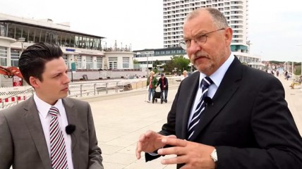 Die Kieferhöhle in der Implantologie: Interview Prof. Dr. Hans Behrbohm