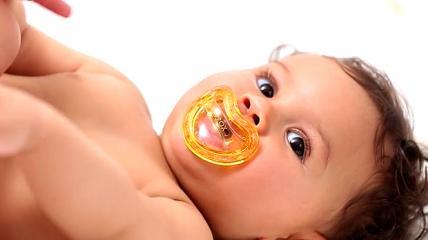 Curaden AG: Orale Prophylaxe von Anfang an