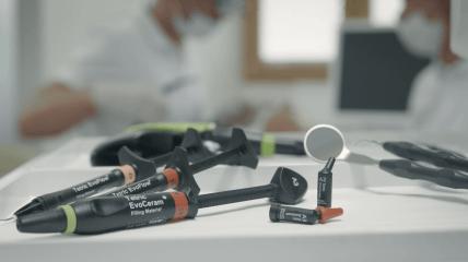 Tetric Evo-Linie – Eine Lösung für alle Kavitätenklassen